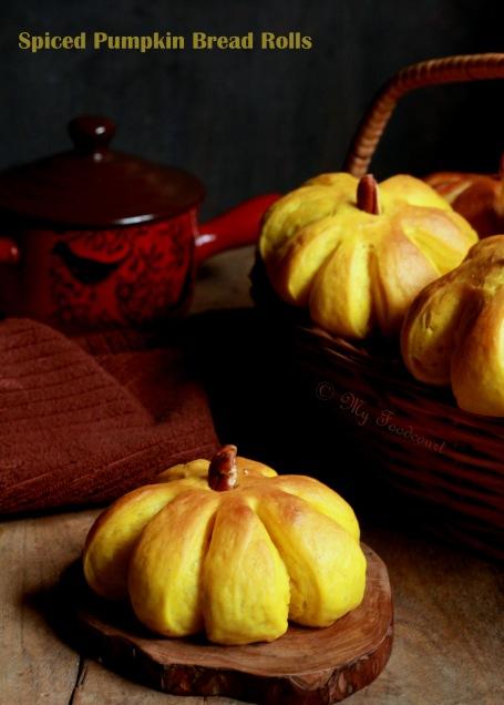 Pumpkin rolls 031.jpg